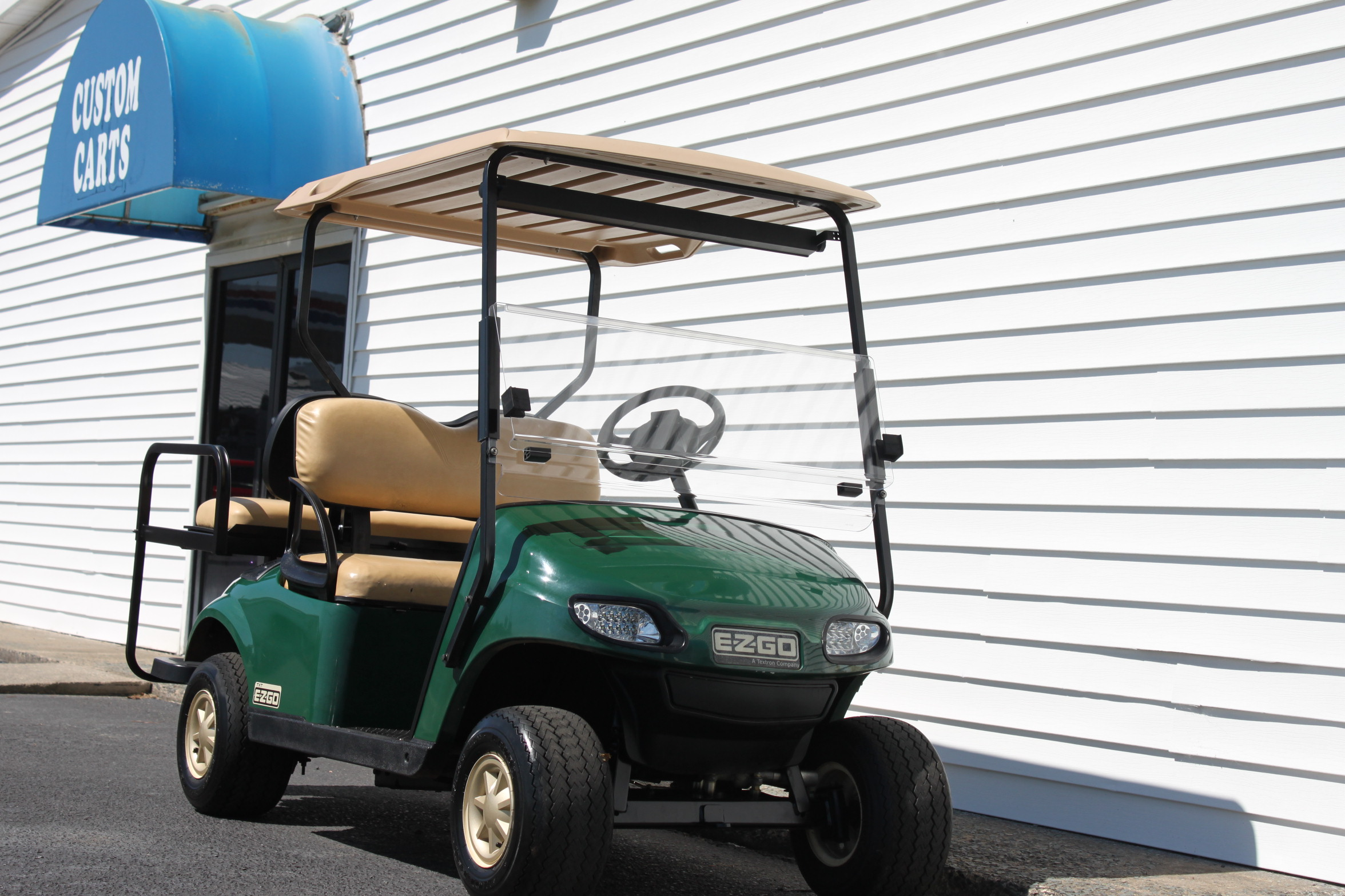 STOCK# 2014WPGRSLTS, 2014 E-Z-GO TXT GAS GOLF CART