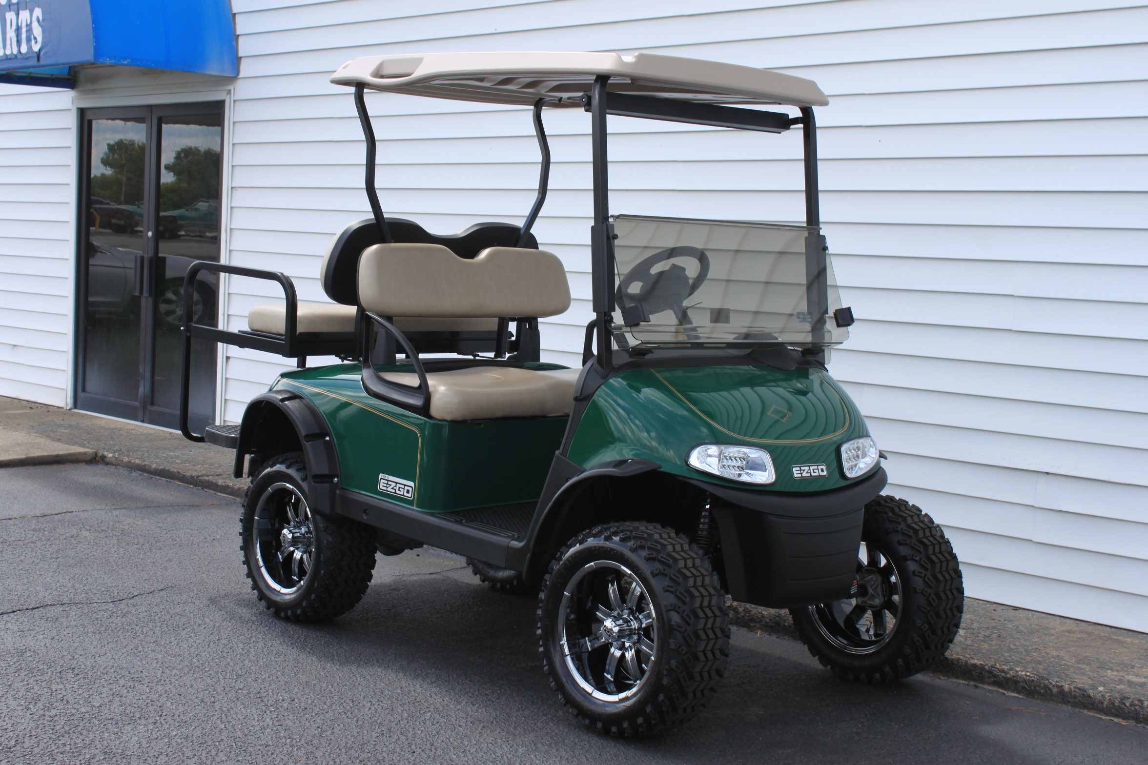 STOCK# 5443596, 2017 E-Z-GO RXV, 48 VT GOLF CART