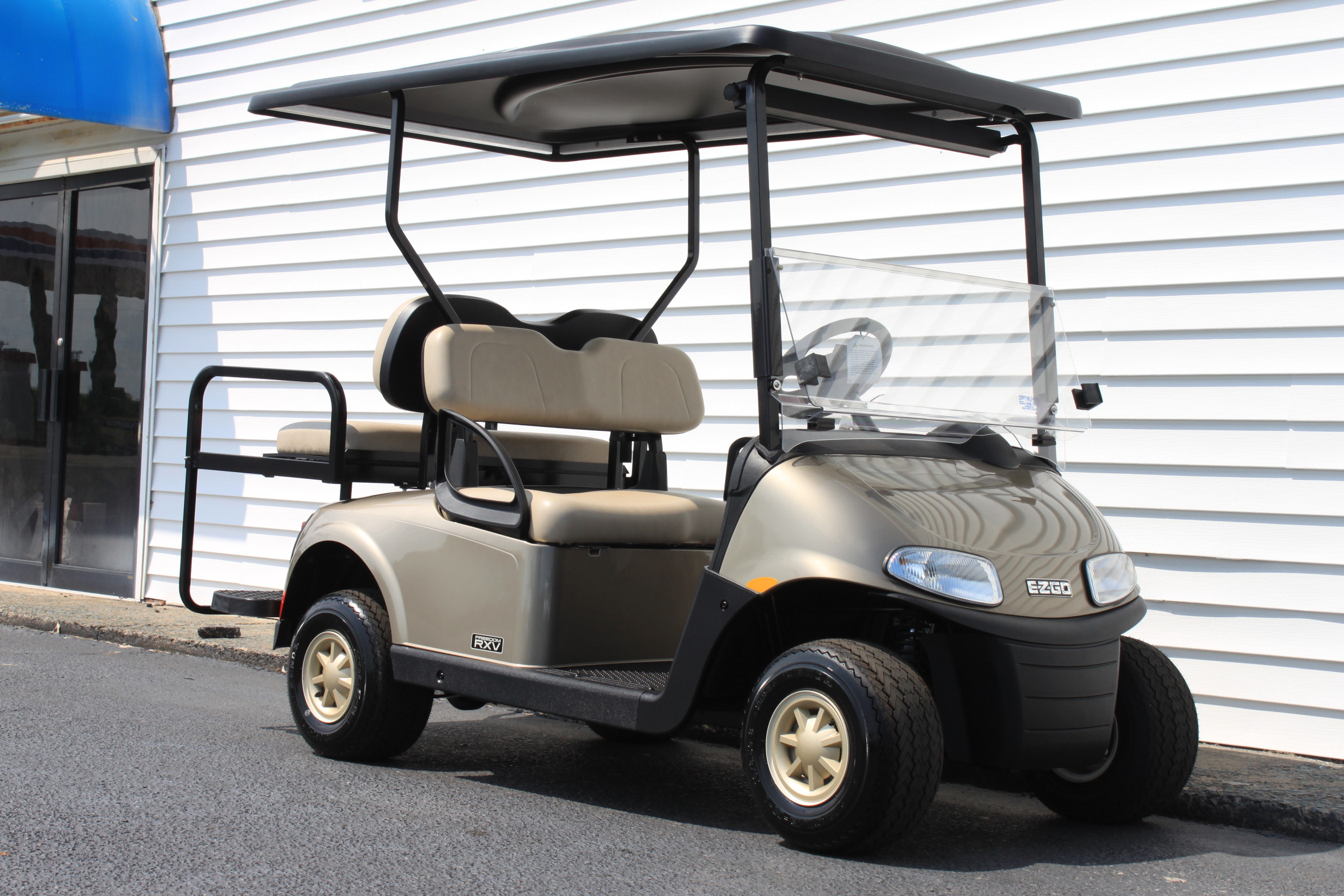 STOCK# 5501439, 2019 E-Z-GO RXV, 48 VT GOLF CART